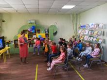 Выступление Ларисы Березы в 13 городской детской библиотеке  26 мая на мероприятии, посвященном Дню читателя.